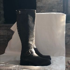 Great condition studded textured leather boots